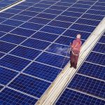Vollbild einer Solarreinigung durch das Team der SAN-Solarsysteme GmbH